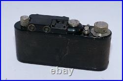 Leica II Black Paint 35mm rangefinder camera and 50mm f/3.5 Elmar lens. Vintage